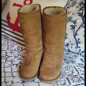 UGG Classic Tall Boot in Chestnut, Size 6, NWOT
